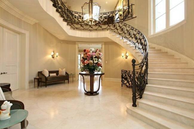 FUN GREEDY: Beautiful Mansion In Canada
