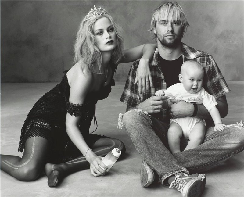 [3+Carolyn+Murphy+as+Courtney+Love,+Jake+Schroeder+as+Kurt+Cobain+and+their+daughter+as+Frances+Bean+Cobain.jpg]
