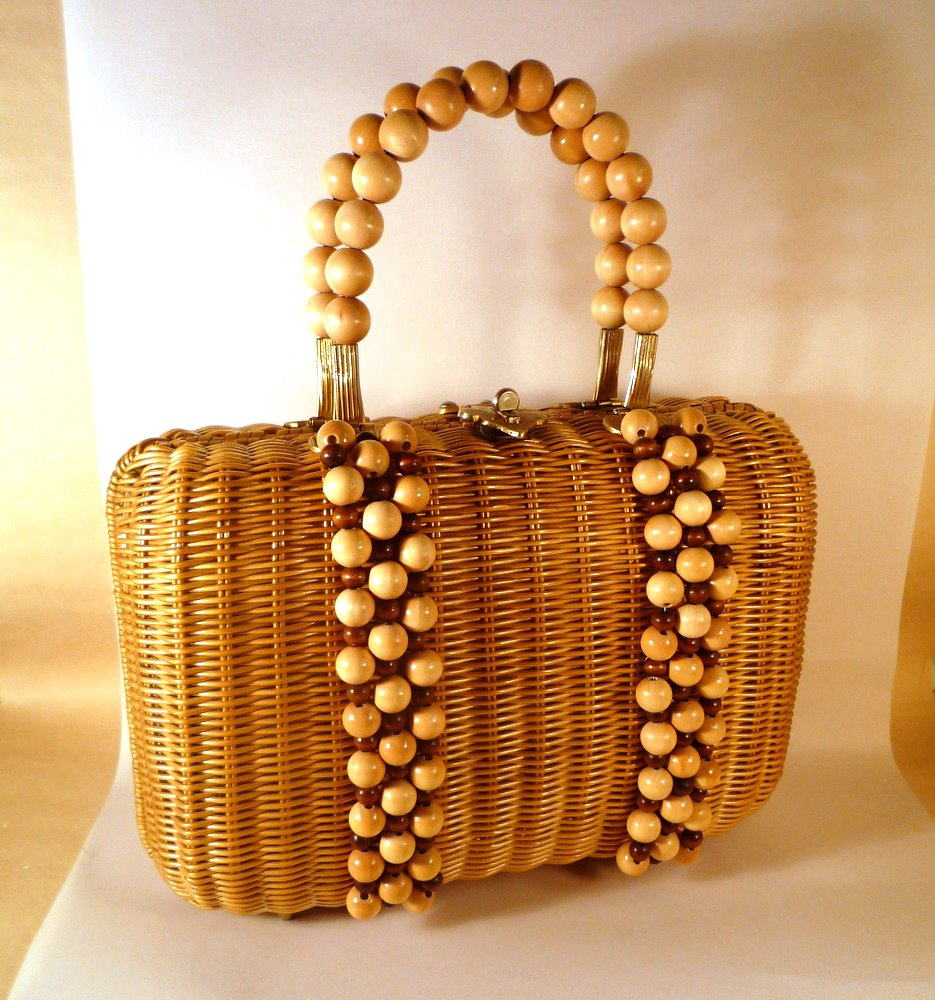 The Beads Are Lied To Front Of Purse Rather Than Integrated Into Weave As In Original But If You Squint On Stage It Was Pretty