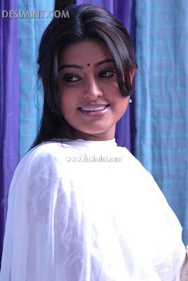 Cute Sneha Pics : Tamil Actress Sneha Cute Simple Beautiful image photo gallery