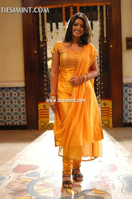 South Indian Actress Sneha Images : Sexy masala pics gallery of Tamil Telugu actress Sneha