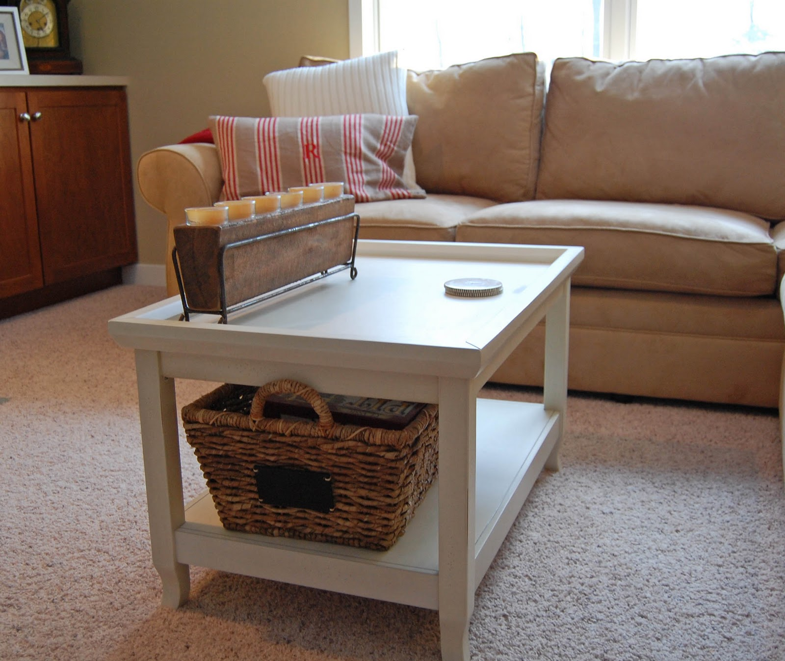 Coffee Table With Baskets: Baskets Under Coffee Table