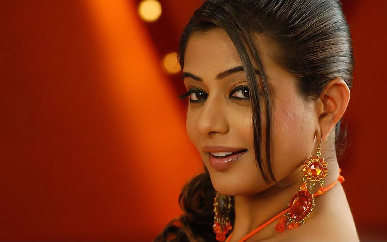 Cute HD Pictures: Wallpaper Tamil Actress