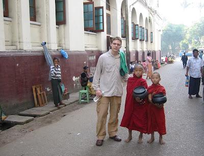 DECEMBER IN YANGON, PART II-- AND HAPPY 60th ANNIVERSARY, MYANMAR!