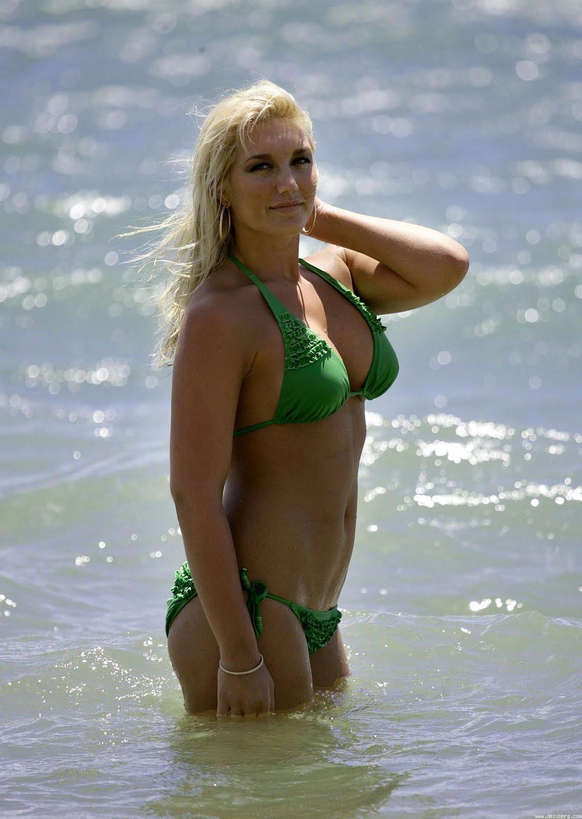 Brooke Hogan Bikini Pics 114