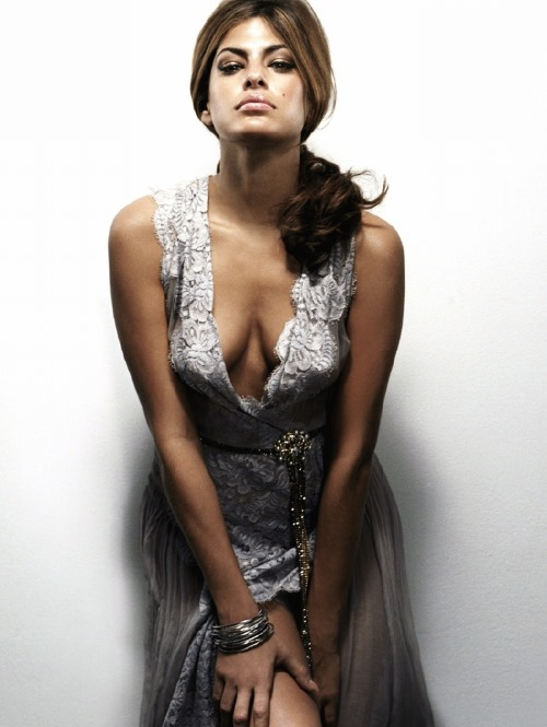 eva mendes sexy photo gallery. Black Bedroom Furniture Sets. Home Design Ideas