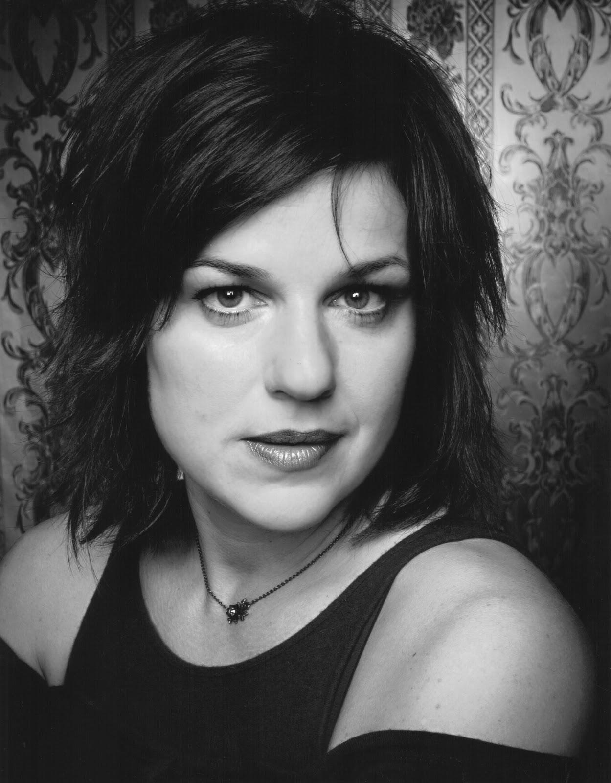 Sylvie Moreau Nude Photos 30