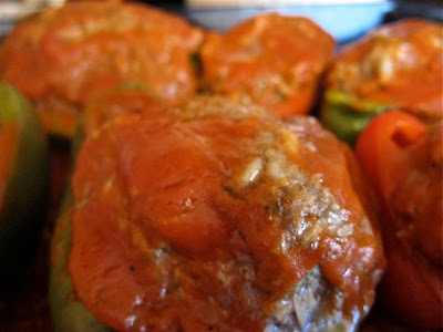 These easy-to-make stuffed peppers are a delicious and healthy home-cooked meal that is sure to become a family favorite. #womenlivingwell #easyrecipe #peppers #beef