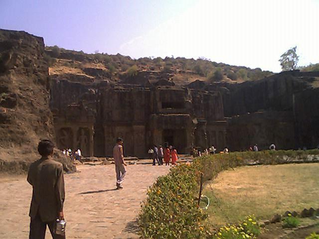 ಕೈಲಾಸ ದೇವಾಲಯ : ಎಲ್ಲೋರಾ