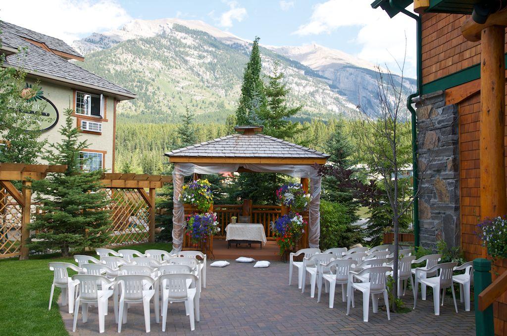 Alpine Peak Photography: Canmore Wedding Photographer