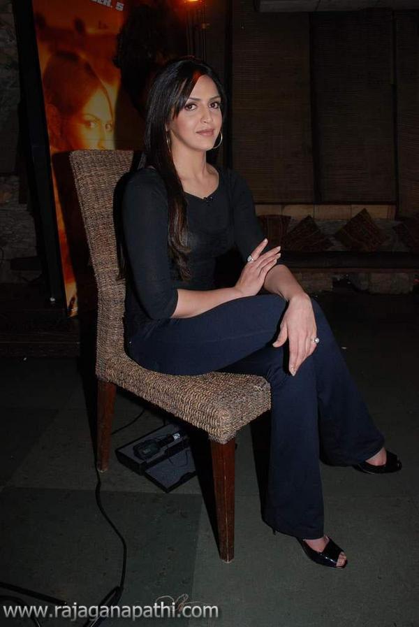 wsww: INDIAN ACTRESS ESHA DEOL WEARING BLACK DRESS NEW STILLS