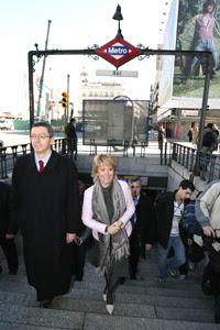 La Espe y Albertito se salen del metro por el olor