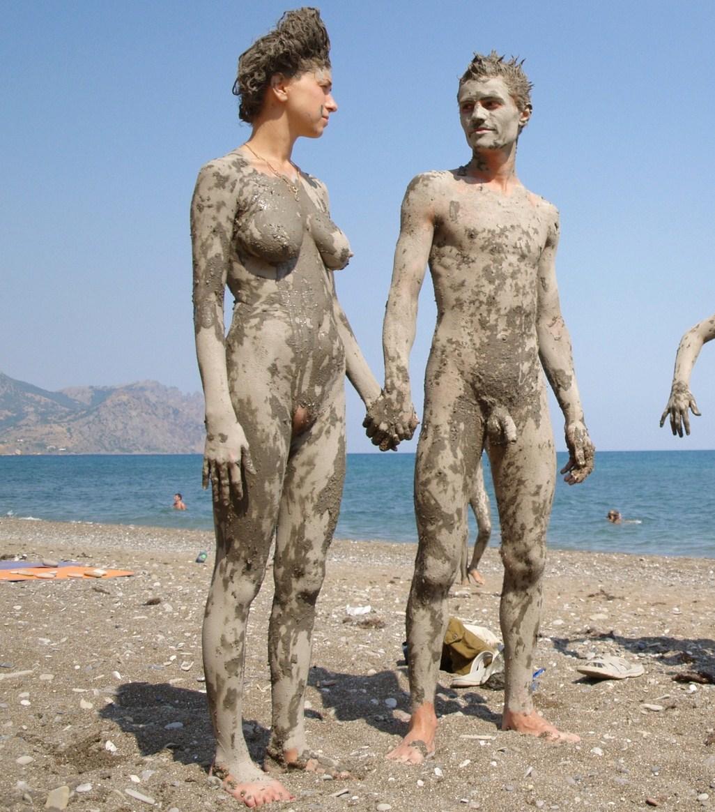 Girl Mud Nude