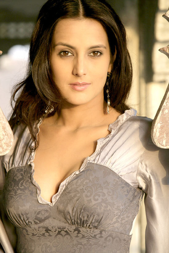 Tulip Joshi Nude Photos 99