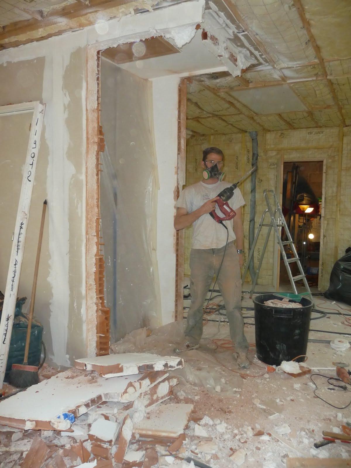 coic breizh week end je casse la cloison de la cage d 39 escalier. Black Bedroom Furniture Sets. Home Design Ideas