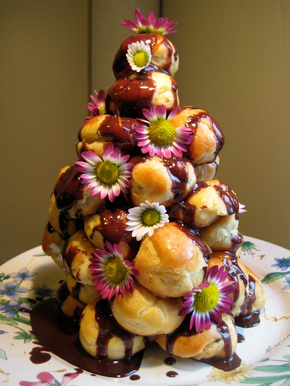 The Cupcake Life: Celebratory Cream Puff Tower