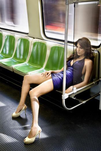 Piernas abiertas en metro - 1 part 4