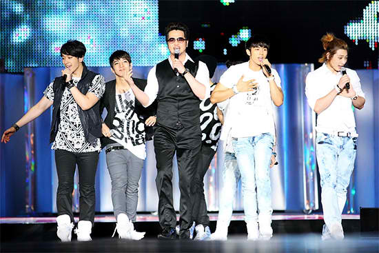 News] 2AM, 2PM, Kim Tae Woo, Son Ho Young - A G O D reunion?   Daily