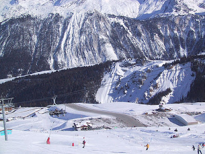 Courchevel Airport - Steepest runway (9) 8