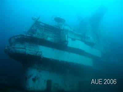 Oriskany becoming a artificial reef (9) 8