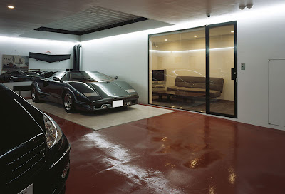 A Nine-Car Garage House (8) 4