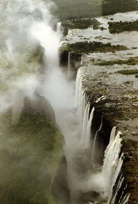 Swim On The Edge Of The Victoria Falls (11) 9