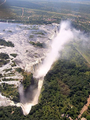 Swim On The Edge Of The Victoria Falls (11) 10