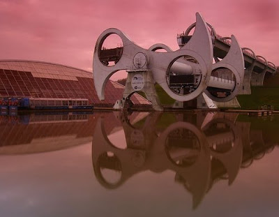 The Only Rotating Boatlift In The World - The Falkirk Wheel (11) 5