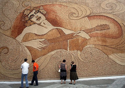 World's Biggest Cork Mosaic (7) 7