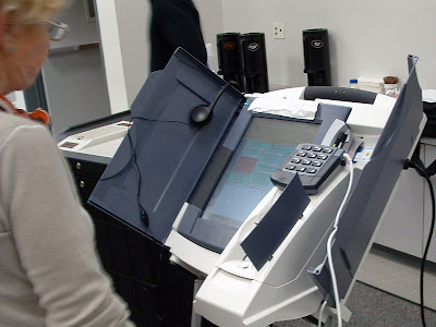 Ballot Boxes And Electronic Voting Machines From All Over The World (27) 26