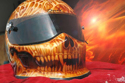 20 Cool and Creative Motorcycle Helmet Designs (20) 17