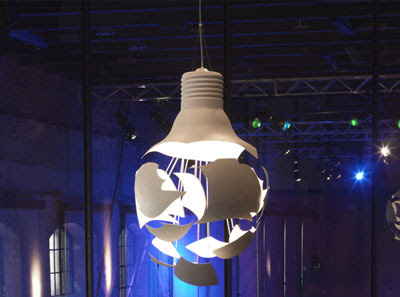 14 Creative And Cool Bulb Inspired Designs (21) 9