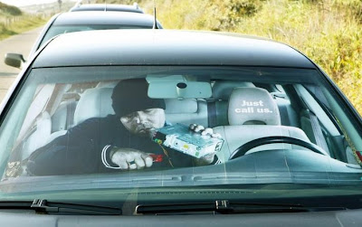 6 Creative and Cool Car Sunshades (6) 1