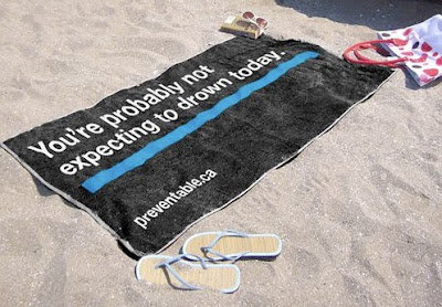12 Creative and Clever Beach Towels (15) 13