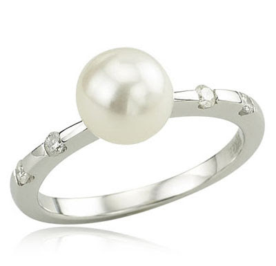 White Gold Cultured Pearl Rings