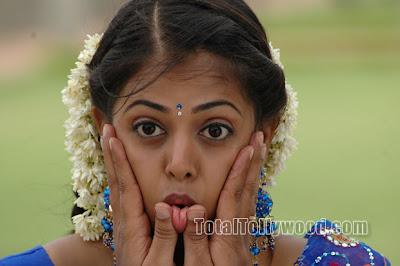 Desi Actress Sindhu Menon