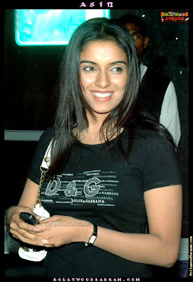 Hot desi actress Asin