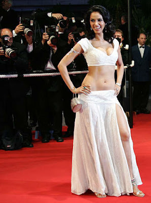 Mallika Sherawat cleavage show