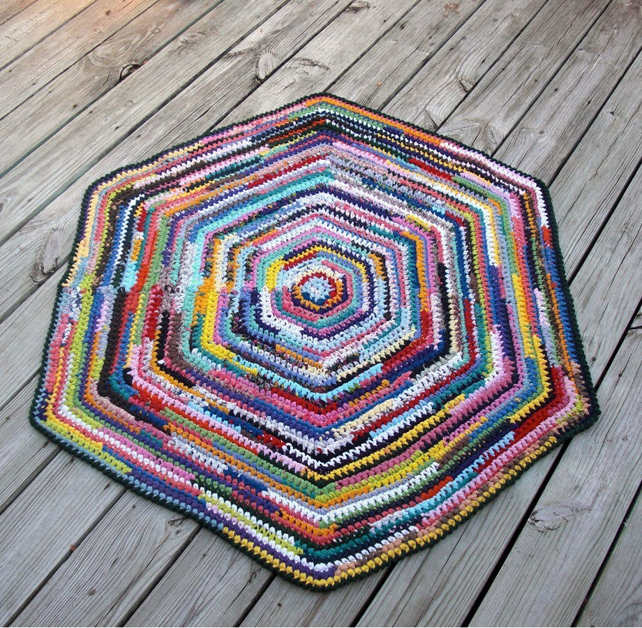 Debs Crochet: My Crochet Today-Hexagon Rag Rug