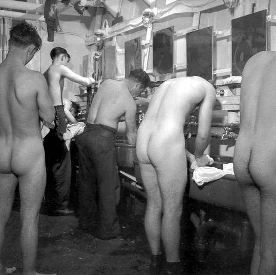 Nude guys in locker rooms and male wank 8