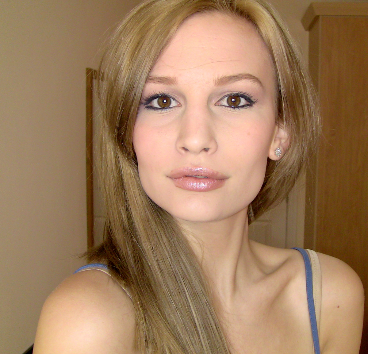 Transsexuals with girls full of photos