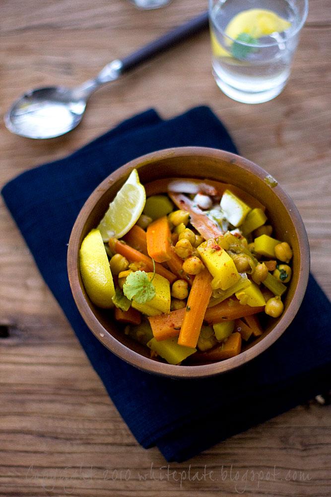 Warzywa Po Marokańsku White Plate