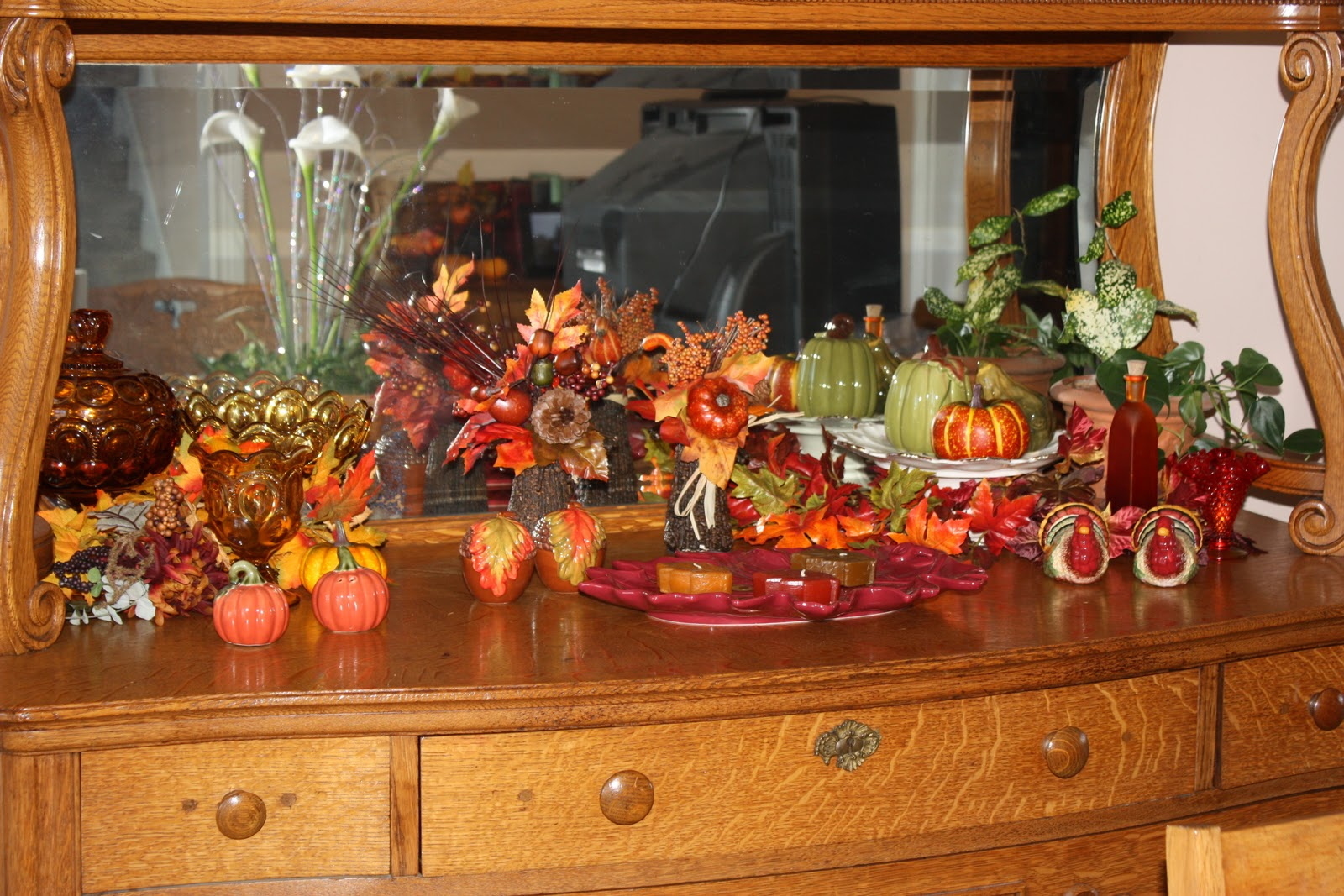 Sanders on the Pike: A sample of my indoor fall decorations