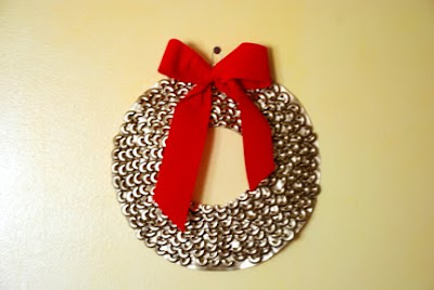 spray painted gold macaroni wreath