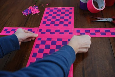 how to make duct tape woven purse