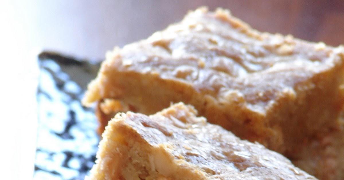 Carrés à l'érable, noix macadamia et grains de caramel ...
