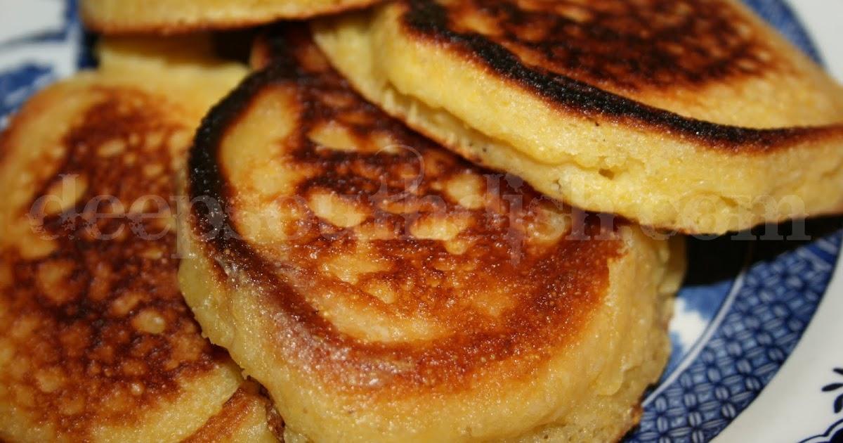 Fried Cornbread - Southern Cornmeal Hoe Cakes