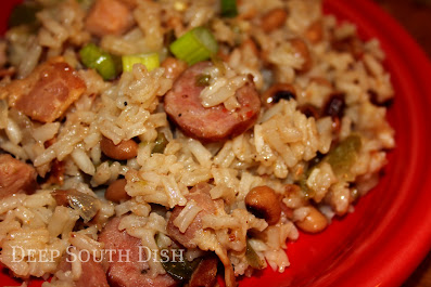Our Deep South version of the lowcountry favorite, Hoppin' John, this Black-eyed Pea Jambalaya contains bacon, ham, spicy smoked sausage, black-eyed peas and rice.