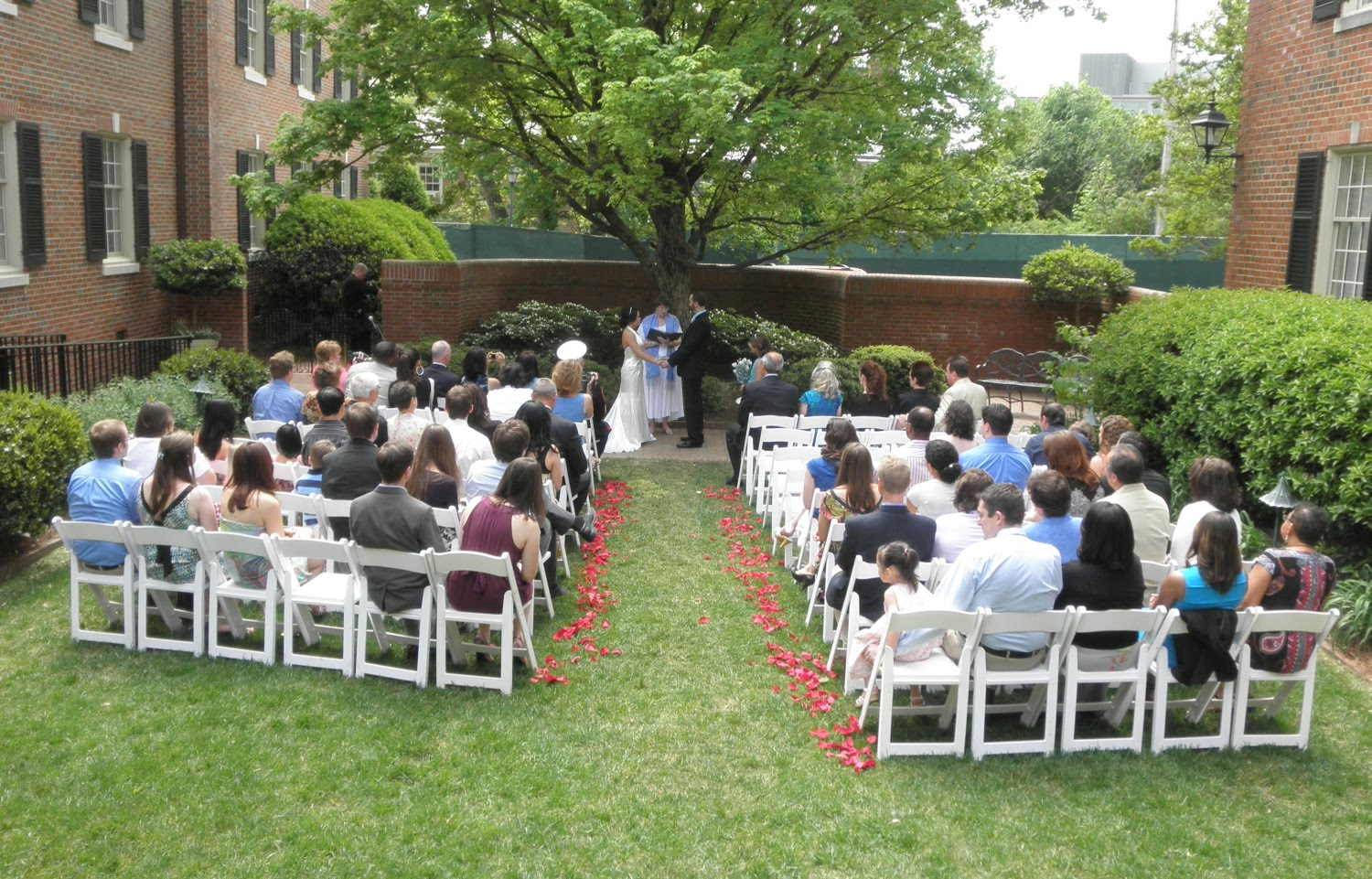 Michelle And Michael Get Married At The Carolina Inn