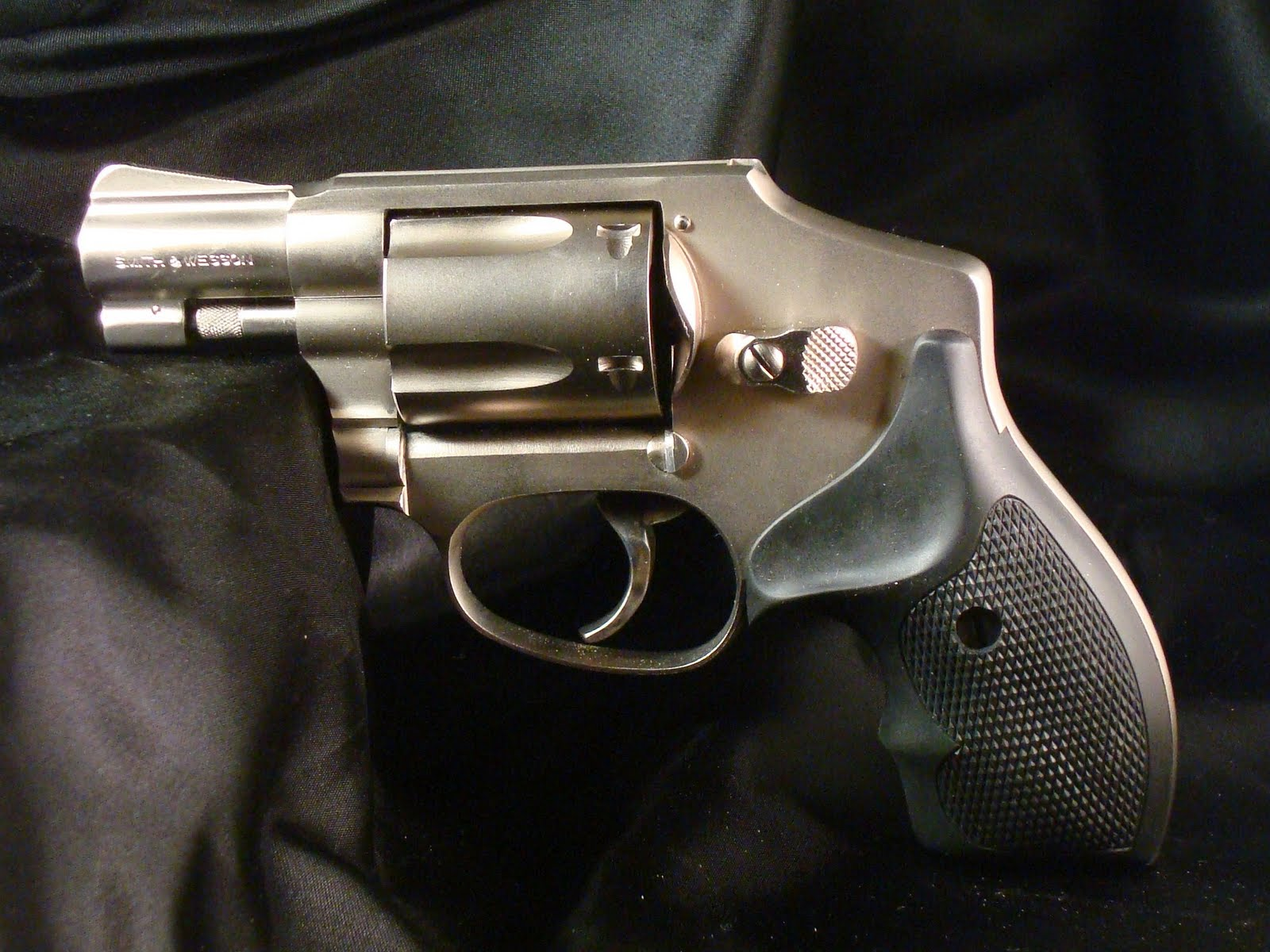 "Average Joe's Handgun Reviews: Smith & Wesson Model 642 ""The Allure"
